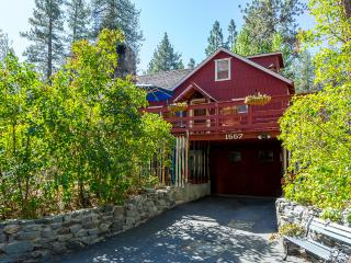 Cabin on Helen, Fenced in yard, pet friendly, Wrightwood