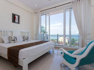 OceanBreeze Colombo - Sea View 2-B Apt.