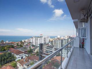OceanBreeze Colombo - Sea View 2-B Apt.