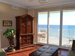 Twin Palms #605 - Ocean Front condo (sleeps 10)