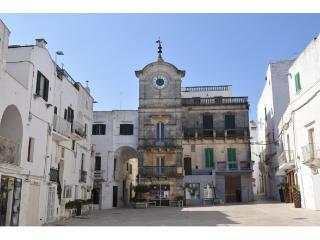 Casa dell'orologio, Cisternino