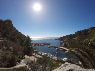 Maison au coeur de la Calanque vue mer, Ensues-la-Redonne