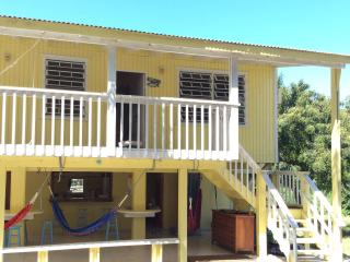 Melones Yellow House, Culebra