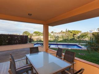 Three bedroom apartment with private pool, Luz