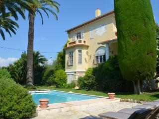 Lovely family home on the cap d'Antibes