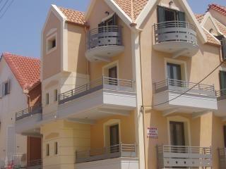 ARGOSTOLI TOWNHOUSE MARYS  TWO BEDROOM APARTMENT, Argostolion