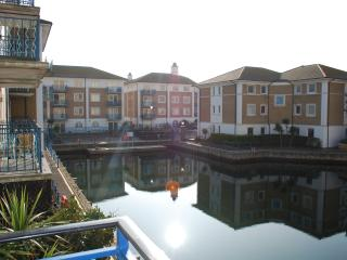 Water views, balcony and a quite location within Brighton Marina. Free parking!