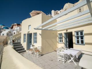Oia New Rental- Breathtaking view Villa