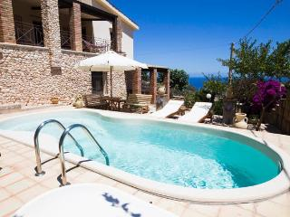 Cozy apartment with pool... Sea View - 2/guests