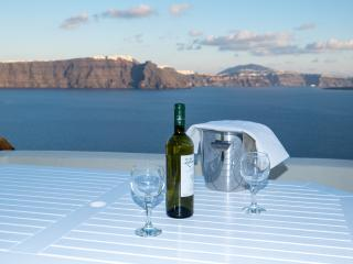 Oia New Rental- Breathtaking view Villa