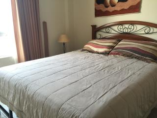 Miraflores 3bd 2.5 bth Wi-FI washer/dryer  WI-FI