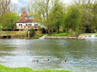 Chalmore Hole Ferry House, Wallingford