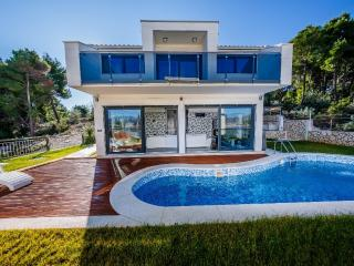 Luxury Villa for Luxury Vacation, Okrug Gornji
