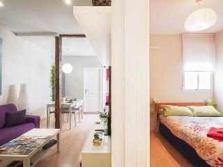 Encantador piso. Céntrico y moderno, Madrid
