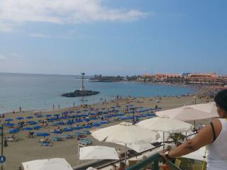 Los cristianos playa las vistas, plaza san telmo, la mejor playa de Tenerife.