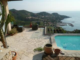 Villa Charmante with pool and fantastic  sea view, Theoule sur Mer