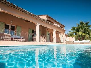 SPACIOUS VILLA WITH POOL, TERRACE, PANORAMIC VIEWS, La Garde-Freinet