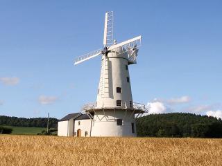 Llancayo Windmill, Kemeys Commander