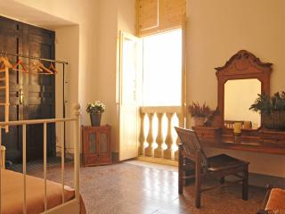 *SPECIAL OFFER* Matteotti Room, Sarzana