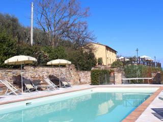 Apt Sabrina-piscina sulla collina tra Lucca Pisa, Buti