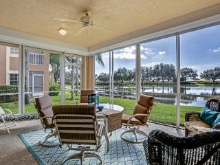 sunny florida  condo with lake view