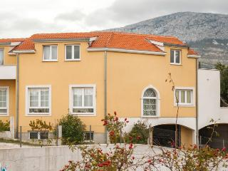 Apartment Bike, Bed & Breakfast - Fig, Solin