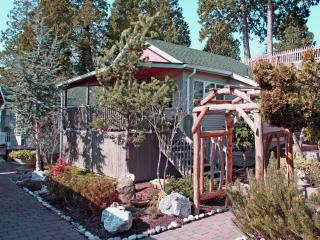 Beechwood Cottage near beach ( Clng fee inc. ), Birch Bay