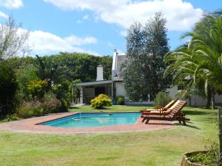The 3 Palms Cottage, 1.5km's from the beach, Noordhoek