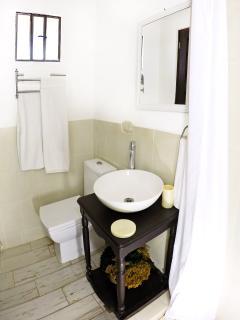 Villas de La Ermita 05 / Complete Bathroom