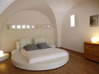 Domaine de Monteils, Reve d'Evan, Luxury french style design Loft for 2.