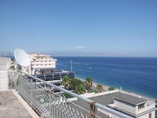 exclusive room penthouse with sea view, Santa Teresa di Riva