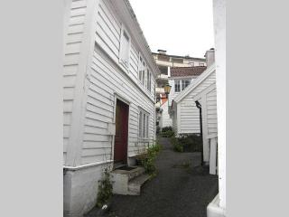 Great location few minutes from town, Bergen