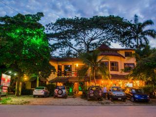 HOTEL MAMIRI TAMARINDO, Tamarindo