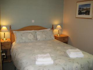Kenmore Cottage bedroom