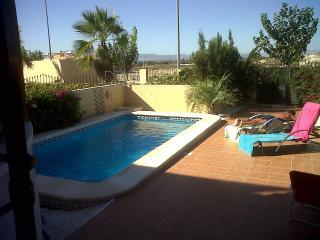 Chalet unifamiliar con piscina privada, La Marina