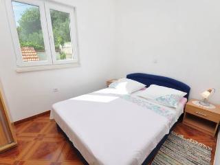 CR14 - Apartment 1, Pisak