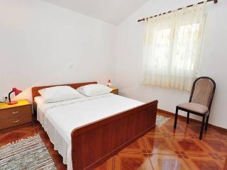 CR14 - Apartment 4, Pisak