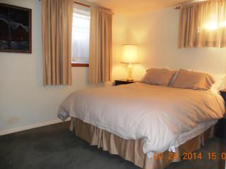 Quality 2 full bedroom suite - Near the Beach