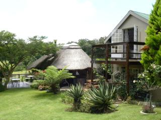 Drakensberg mountains luxury self catering accommodation, Pongola