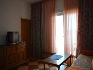 CR27 - Apartment 3, Dugi Rat
