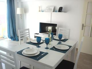 Albufeira old town 2 mns walk from beach free wifi ,sea view