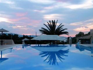 Naxos Dreamland, Cidade de Naxos