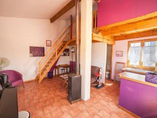 Domaine la Procureuse Gîte Studio M accès piscine, Barjols