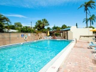 Sun Plaza West 204-5608 Gulf ~ RA54648, Holmes Beach