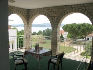 Mary Apartment 3 for 3 pax with partial sea view, Sveti Petar