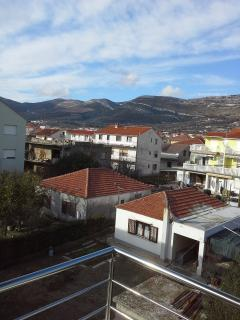Ole Apartment for 4 persons with AC, Kastel Stari