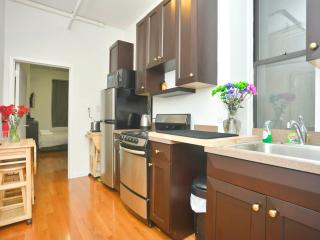 Spacious 2 BR near Times Sq (No living Room), Weehawken