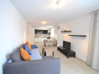 Lovely modern apartment with huge terrace, Los Cristianos