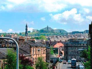 Beautiful Inverleith Apt sleeps 7, Edimburgo