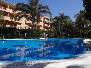 Apartment just 10 min walking to the sandy beach, Marbella